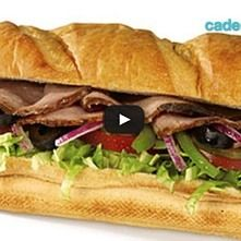 Sándwich de roast beef con aderezo de blue cheese